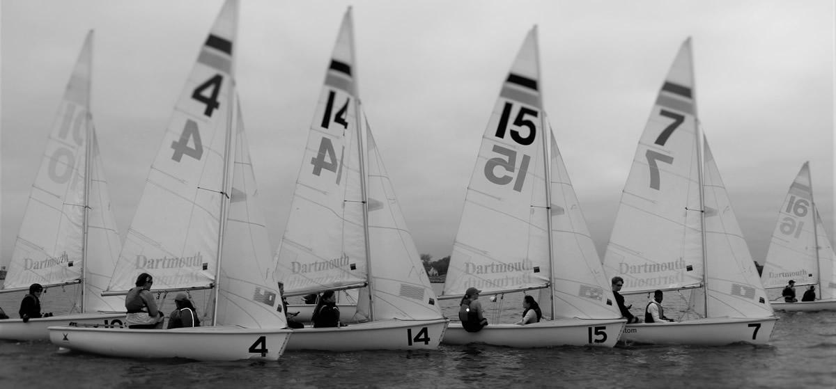 boats-black-white